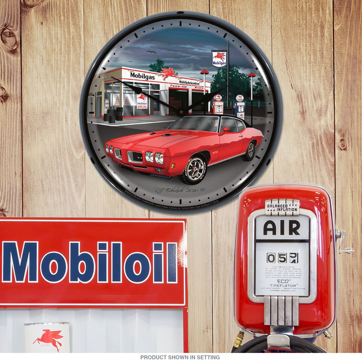 Pontiac 1970 GTO Mobilgas Station Light Up Clock